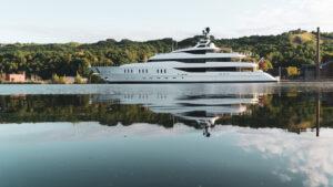 Hampshire Yacht in Houghton Michigan